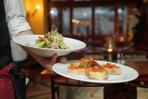 restaurant-939434_640-1-300x200